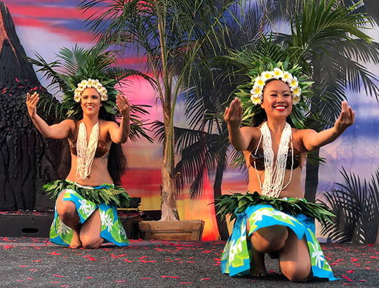 Authentic luau dancers preforming in San Diego