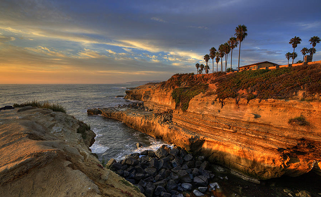 Sunset Cliffs in San Diego at dusk